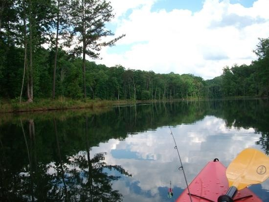 Kayaking & fishing on Hickory Log Creek Reservoir - minutes from Horizon at Laurel Canyon